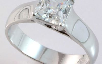 112096 : Platinum Solitaire Diamond Engagement Ring