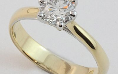 118278 : Two Tone Claw-set Solitaire Diamond Engagement Ring
