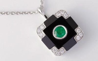119061 : Onyx, Emerald & Diamond Pendant