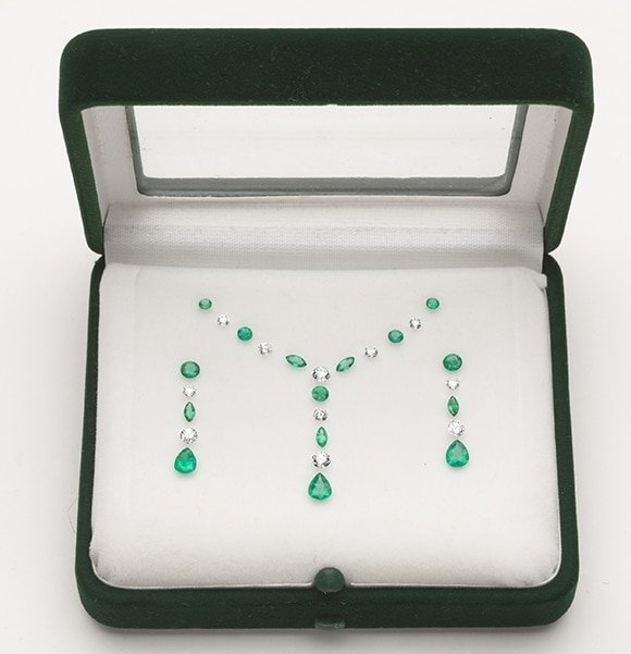 Set of Loose Emeralds and Diamonds for a proposed necklet and matching Earrings